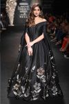 SHOWSTOPPER-ILLEANA-DCRUZ-FOR-DE-BELLE-BLACK-PONCHO-GOWN-LAKME-FASHION-WEEK-WINTER-FESTIVE-2017.jpg