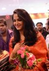 actress_anushka_launches_kalamandir_showroom_rajahmundry_photos_0b78f75.jpg